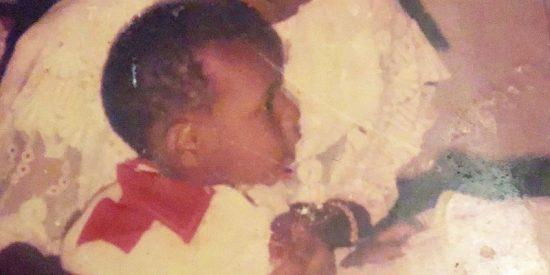 La terrible historia del niño que fue secuestrado para ser el lazarillo de mendigos en Nigeria
