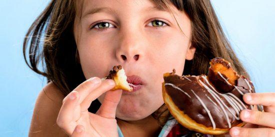 Los pediatras advierten sobre aditivos químicos en los alimentos para niños