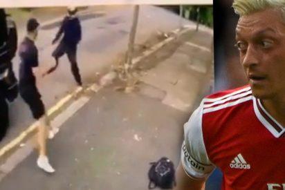 Özil es víctima de unos violentos asaltantes en Londres y su amigo Kolašinac lo defiende a puñetazos