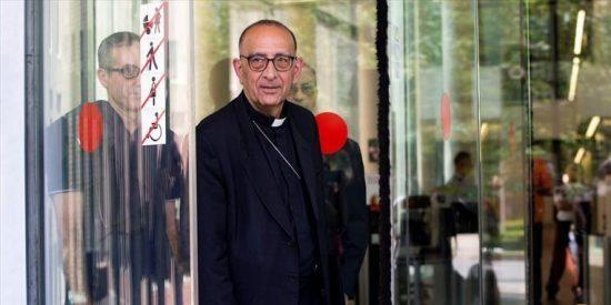 El cardenal Omella declara por una presunta falsificación de documentos