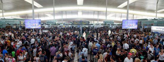 Gran crisis turística internacional: La operadora de viajes Thomas Cook se declara en quiebra y obliga a repatriar a 600.000 turistas