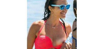 Lo que no te han contado sobre el descuido pezonero de Paula Echevarría en la playa