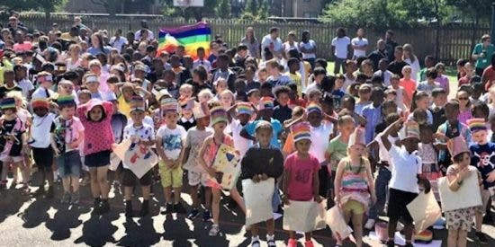 Expulsan a dos niños cristianos por negarse a ser adoctrinados por el lobby LGTB