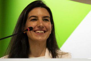 Rocío Monasterio se troncha del momentazo vivido con varias diputadas progres en los baños de la Asamblea de Madrid