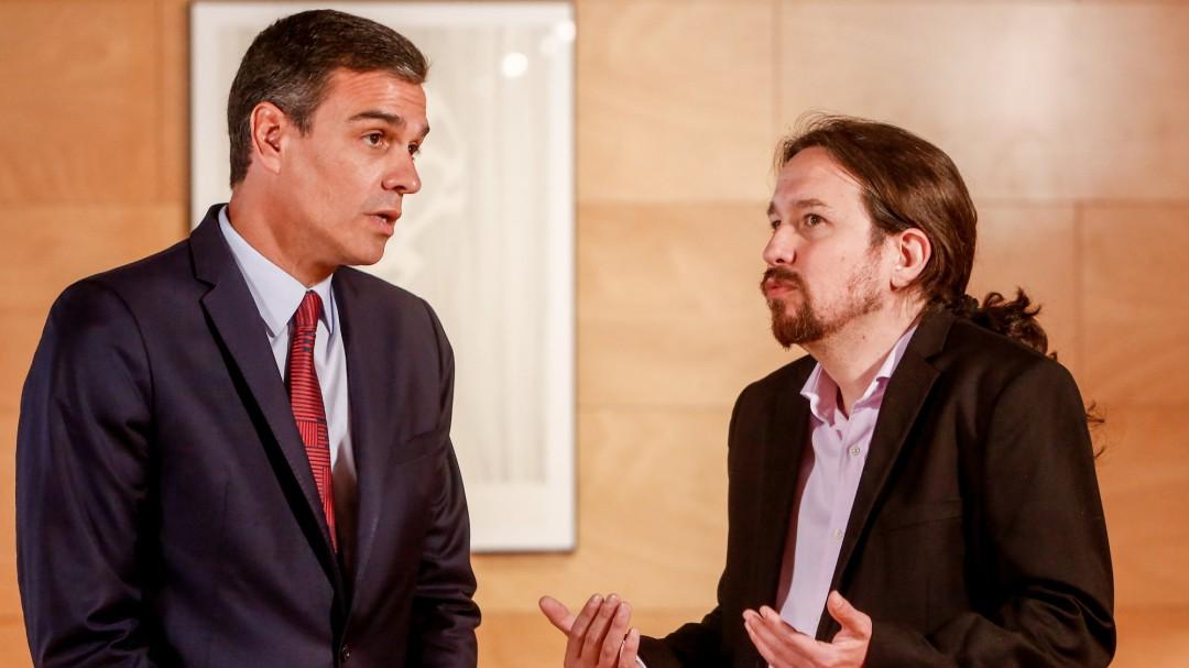 """La tronchante recreación de un Ejecutivo cohabitado por Sánchez e Iglesias: """"¡Qué mamón, otra vez Pablo se ha pillado el Falcon"""""""