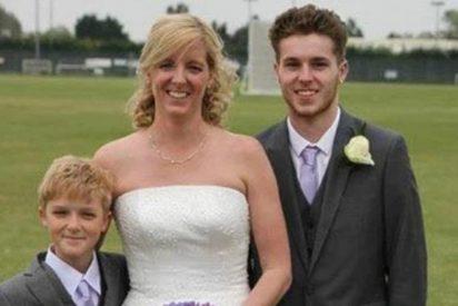Sam Connor, el niño de esta foto, se suicida delante de sus compañeros de clase agobiado por el 'bullying'