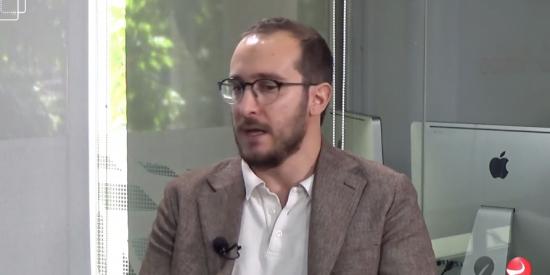 """Luca Costantini: """"Pedro Sánchez no duerme por la noche y ha adelgazado, síntoma de que en el PSOE hay preocupación"""""""
