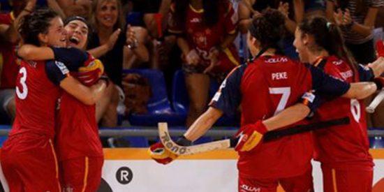 La selección femenina de hockey sobre patines vence (5-8) a Argentina y gana la Copa del Mundo