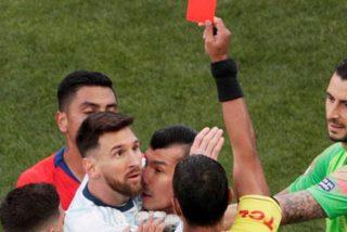 La tarjeta roja a Messi desata la ira de los aficionados