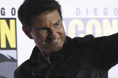 Tom Cruise sorprende a todos en la Comic-Con de EE.UU. presentando el tráiler de Top Gun 2