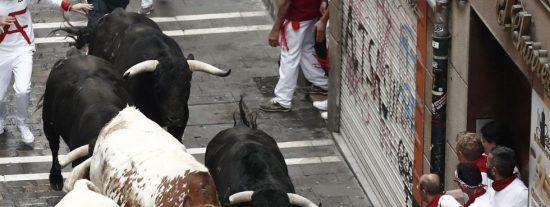 Sanfermines 2019: Primer encierro rápido y accidentado, con tres heridos por asta de toro