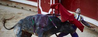 Así empitonó el toro a Rafelillo y lo estampó contra las tablas