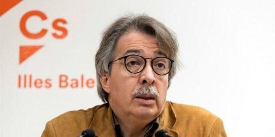 Dimite de todos sus cargos Xavier Pericay, uno de los fundadores de Ciudadanos