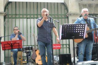 La Guardia Civil expedienta y prohíbe en plena actuación a un grupo podemita insultar al Rey Felipe VI