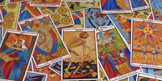 Bergoglio pide a los fieles que eviten las cartas del tarot y los videntes