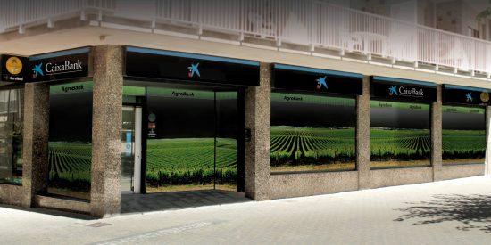 CaixaBank pone a disposición del sector agrario 100 millones de euros para energías renovables