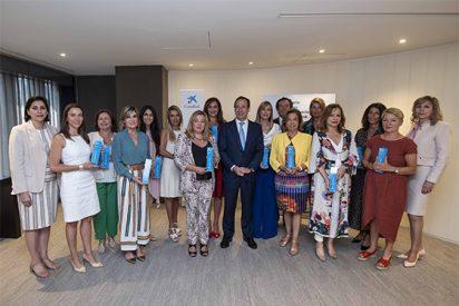 Gonzalo Gortázar entrega los galardones territoriales del Premio Mujer Empresaria CaixaBank 2019
