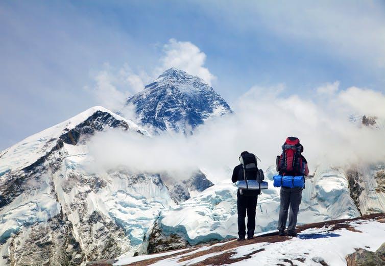 El Everest, un turismo que pone a prueba la física de nuestros pulmones