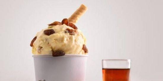 helado de ron con pasas