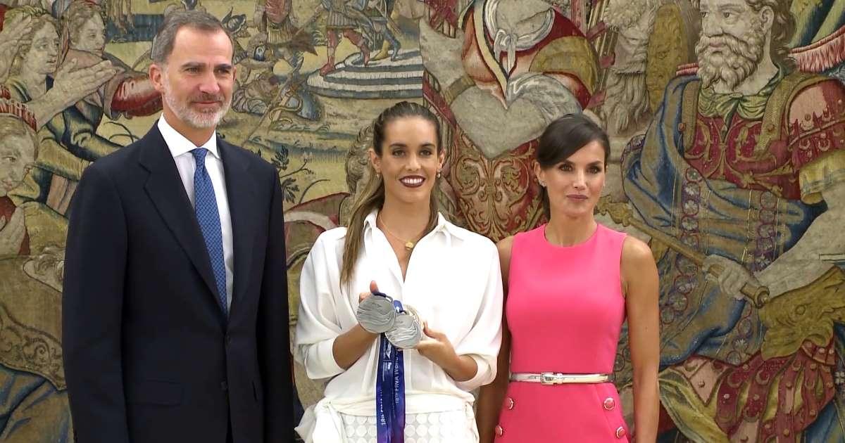 La 'indepe' Ona Carbonell usa una recepción en Zarzuela para humillar a Doña Letizia y vejar al Rey Felipe