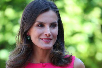 Tres vestidos por menos de 60 € inspirados en el último look de la Reina Letizia