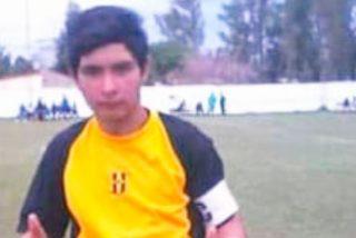 Tragedia en el fútbol argentino: Muere un portero de 17 años al parar un penalti con el pecho
