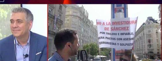 """Una manifestante, contraria a la investidura de Sánchez, incendia la TVE de Rosa María Mateo: """"Los rojos solo cuentan con los rojos"""""""