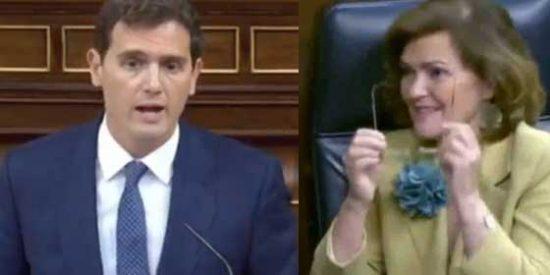 """Rivera retrata a la vicepresidenta sanchista: """"Ahora, para ir al 8-M, hay que pedir permiso con un SMS que diga 'Carmen Calvo, bonita'"""""""