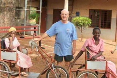 El misionero que fabrica triciclos para las personas con discapacidad en Ghana