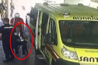 ¡De chiste!: Este preso en silla de ruedas echa a correr aprovechando un traslado desde la cárcel hasta el hospital
