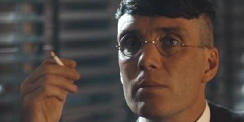 ¿Sabes cuál es el truco de los actores de 'Peaky Blinders' para no hartarse a fumar en los rodajes?