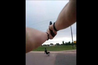 La Policía da a conocer imágenes que podrían esclarecer la muerte de un joven tiroteado por la espalda por un oficial estadounidense