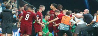 """El guardameta del Liverpool, Adrían San Miguel, se lesiona """"gracias"""" a la efusiva celebración de un aficionado"""