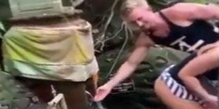 """Dos estúpidos influencers checos """"montan un pollo"""" descomunal en Bali"""