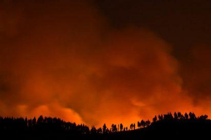 El devastador incendio que arrasa Gran Canaria provoca la evacuación a más de 2.000 personas