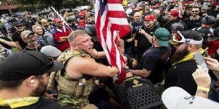 La violencia que divide EE.UU. se recrudece en las manifestaciones simultáneas de antifascistas y de extremistas de derecha en Portland