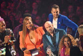 """Un """"despistadillo"""" John Travolta confunde a la popular Taylor Swift con una 'drag queen' y está """"al canto de un duro"""" de entregarle un premio MTV"""