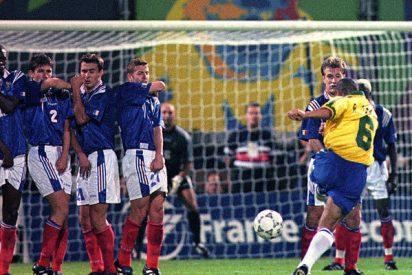 Roberto Carlos lo vuelve a hacer: a pesar de los años repite su mítico gol contra Francia