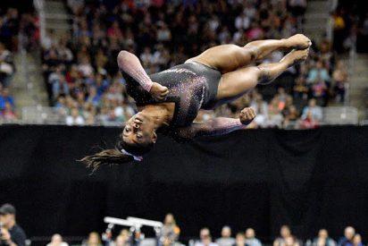 La increíble gimnasta Simone Biles vuelve a hacer historia con un inédito salto que desafía las leyes de la Física