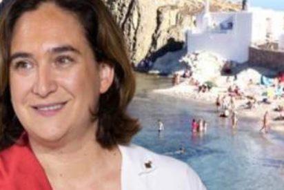 La amiguita de Pablo Iglesias, Ada Colau se va de vacaciones a una lujosa urbanización de Cabo de Gata