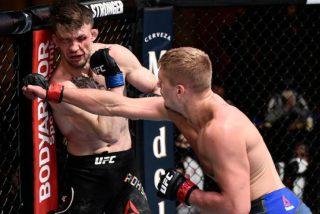 UFC: El entrenador en la picota tras negarse a detener el combate a pesar de las súplicas de su luchador