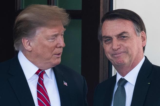 Trump prohibe la entrada de pasajeros procedentes de Brasil