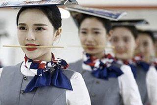 El sádico empresario chino que hace beber sangre de pollo y comer pescado vivo a sus empleados