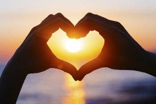 ¿Caos en tu salud emocional? Abre el chakra del corazón y activa el amor