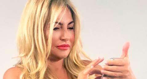 Cristina Tárrega se convierte en el 'hazmerreir' de las redes por el burdo retoque que se ha hecho con photoshop en una imagen