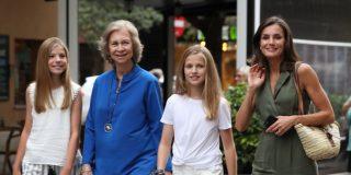 La Reina Letizia se va al cine, a ver 'El Rey León', con su suegra y las infantas Leonor y Sofía