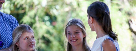 ¿Sabes cómo educa la Reina Letizia a sus hijas Leonor y Sofía?