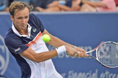 El ruso Medvedev se carga al maestro Djokovic en semifinales de Cincinnati
