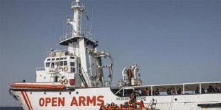 Sánchez intenta quedar bien ofreciendo el puerto de Algeciras al Open Armas, pero la ONG le manda a hacer gárgaras