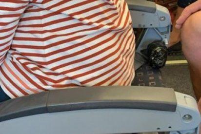 Escándalo EasyJet: Publican esta foto en la que se ve a una mujer en un asiento sin respaldo y la compañía pide borrarla